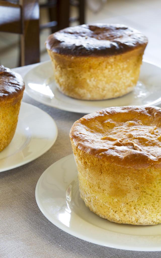 Le Pastis Landais, la pâtisserie reine du Sud Ouest