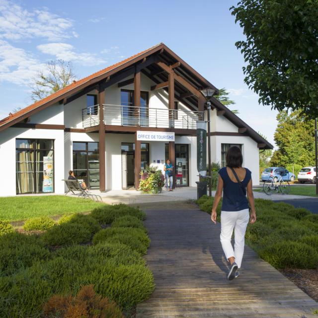 Côte Landes Nature Tourisme   à Saint Julien en Born